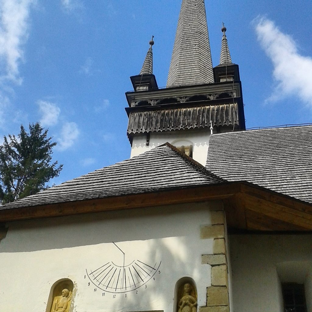 road trip de o zi in cluj biserica reformata manastireni