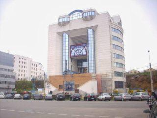 Biblioteca Județeană Cluj | Când s-a înființat și cum o găsim astăzi