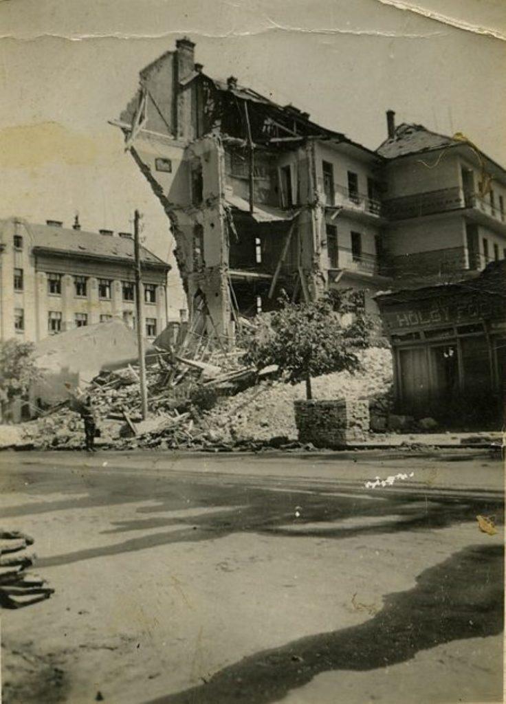 Actuala str.Horea dupa bombardament.