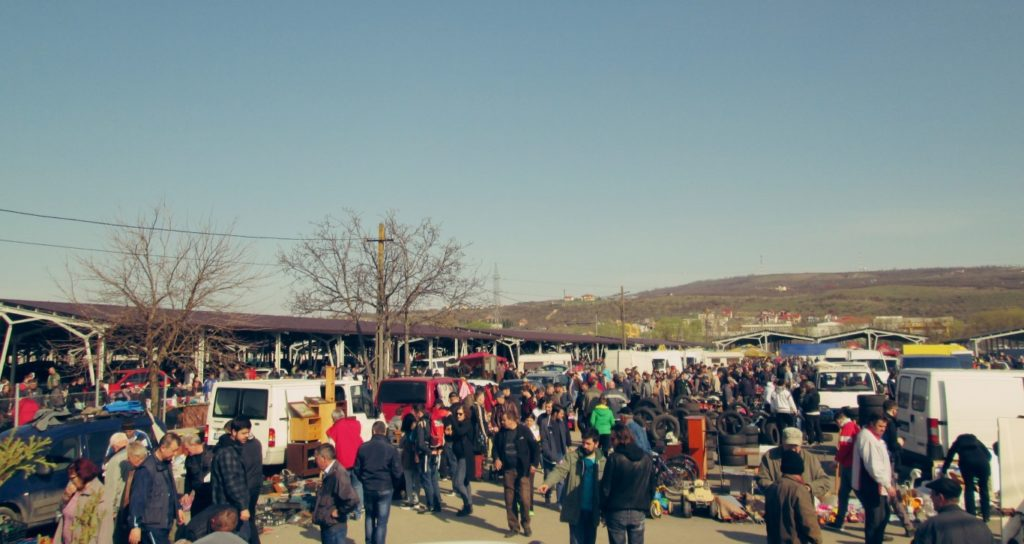 Ce mai găsești prin OSER, piața de vechituri din Cluj (2) (Medium)