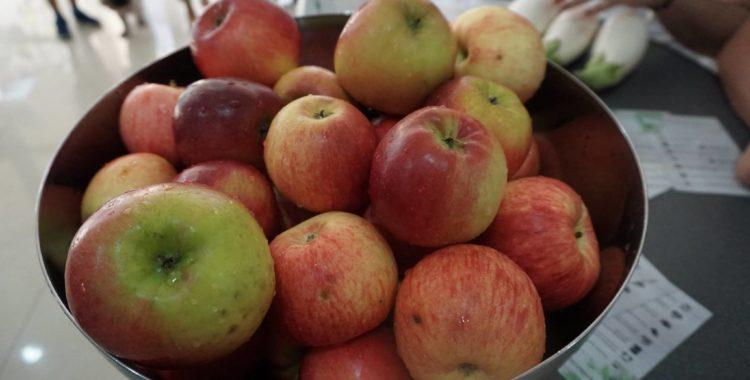 Cum e să mănânci un măr ÎNTREG (3)