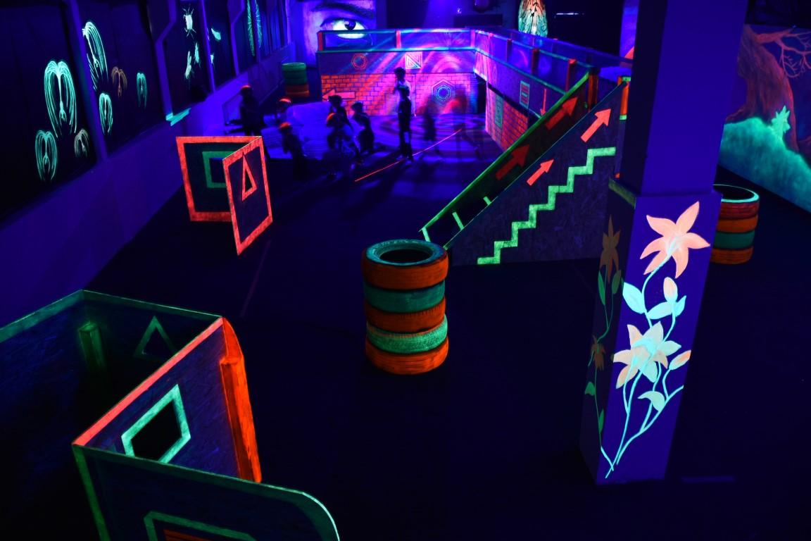 Petreceri clujene pentru oameni mari: LaserTag World scoate copilul din tine