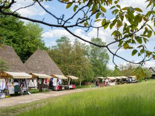De Sânziene, în Parcul Etnografic: ateliere de creație, meșteri, producători locali și Tulnicărese din Apuseni