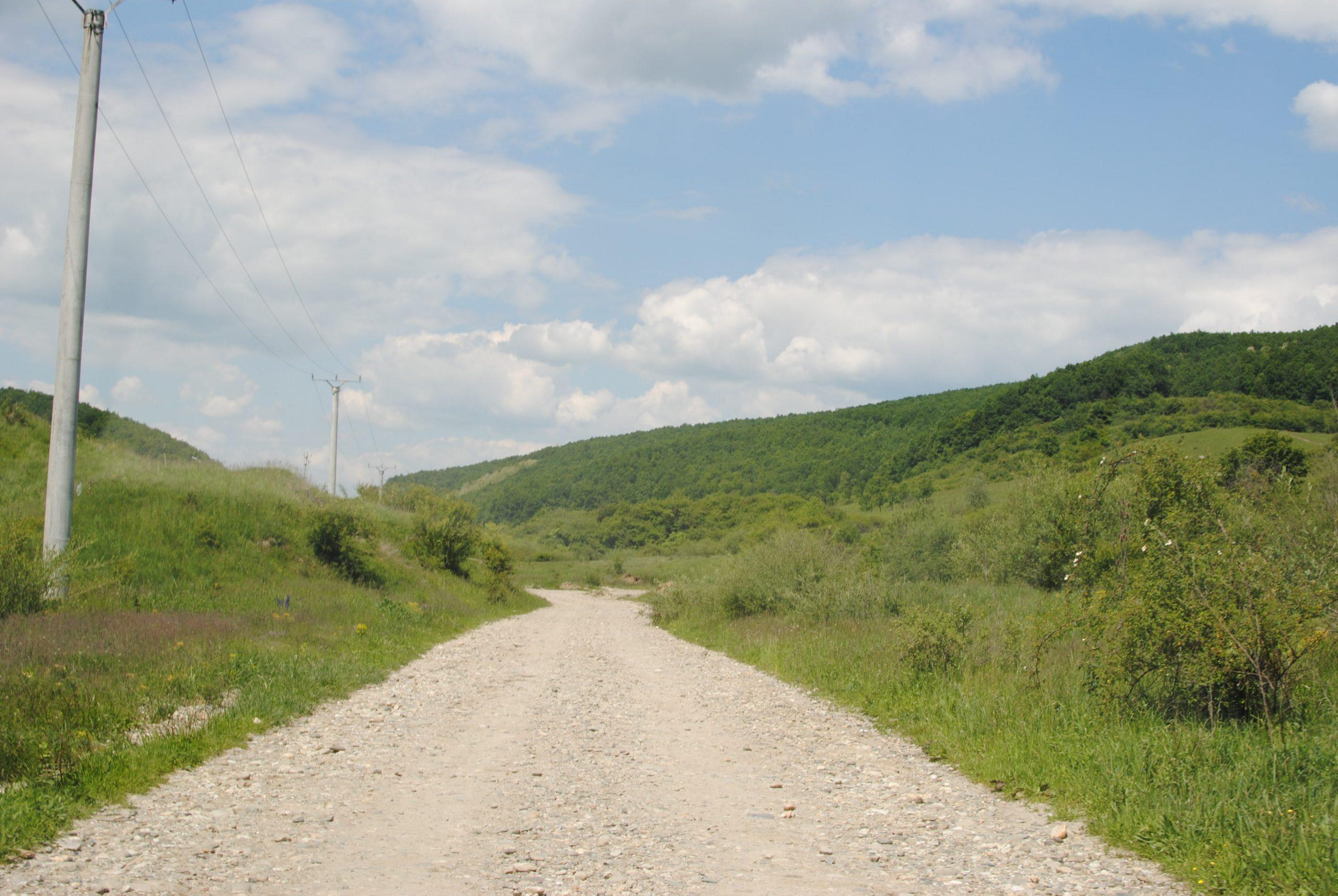 Drumul spre Valea Garboului