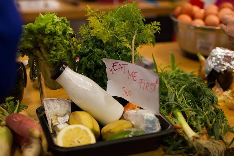 Eat me first box Food Waste Combat începe săptămâna anti-risipă alimentară la cluj
