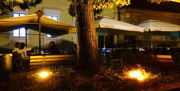 noapte terasa Ce bar