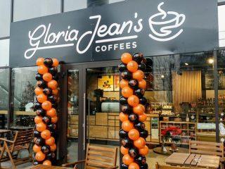 Celebrul lanţ de cafenele Gloria Jean's Coffees a adus cafeaua gourmet la Iulius Mall Cluj
