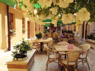terasa Hotelului Transilvania
