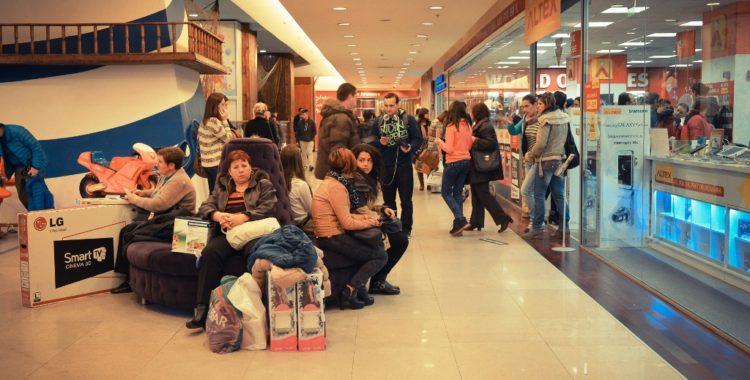 Black Friday: peste 200.000 de clujeni la Iulius Mall