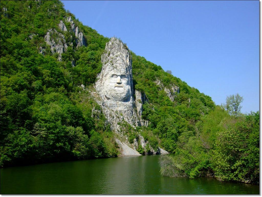 Legende din Cluj Statuia lui Decebal