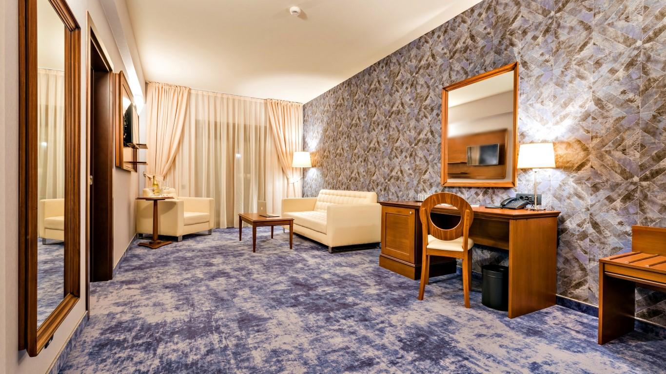 Living Suite Deluxe City View Hotel Briliant Cluj (1) (Medium)