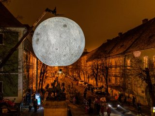 "Instalația de lumină ""Museum of the Moon"" a fost demontată temporar 