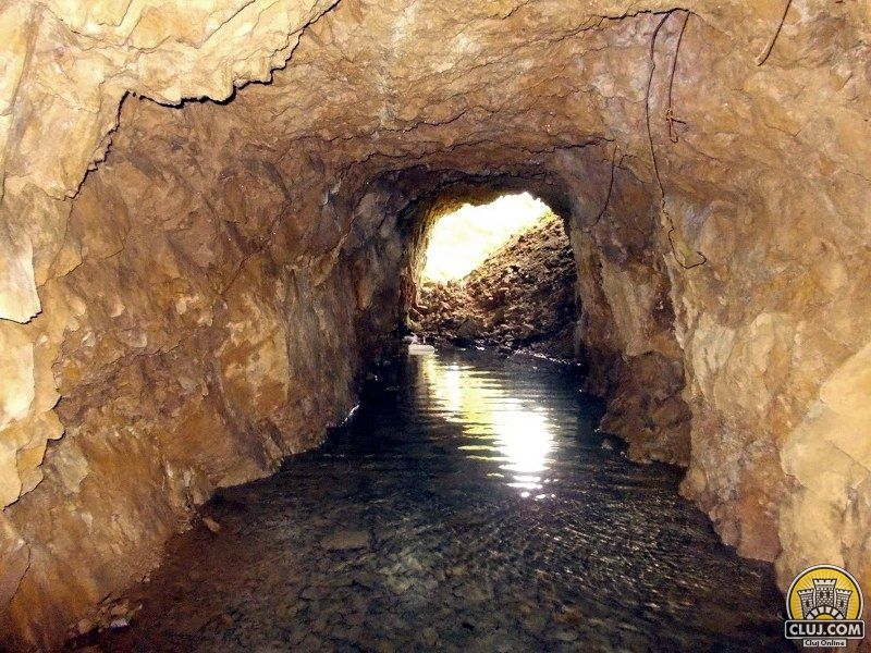 satul cristesti traditii din rasca mina de cuart