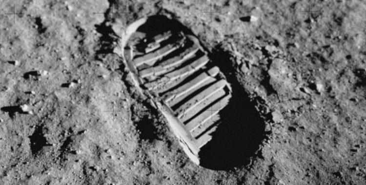 Primul pas pe Lună