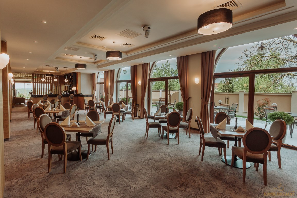 Restaurant. (Medium) Hotel Briliant Cluj