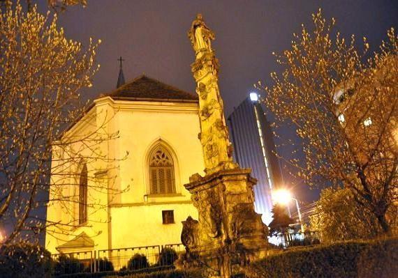 Statuia-Fecioarei-Maria-din-Cluj- skytrip.ro