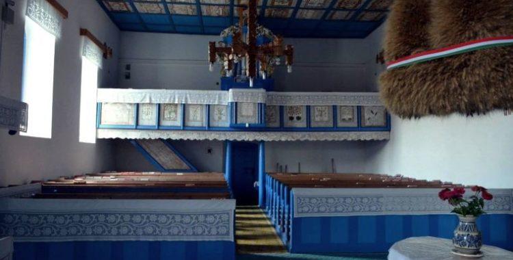 biserica interior capusu mare