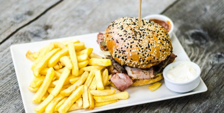 burgeri, pizza si paste Classic Beef Burger (Medium)