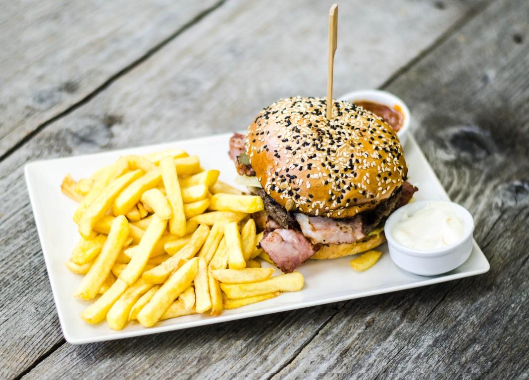 Burgeri, pizza și paste – vedetele lunii Martie la Lunchbox Mărăști | #ClujulDelicios