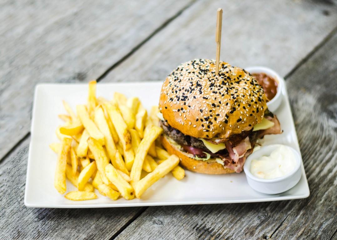 burgeri, pizza si paste Hugo's Egg Burger (Medium)