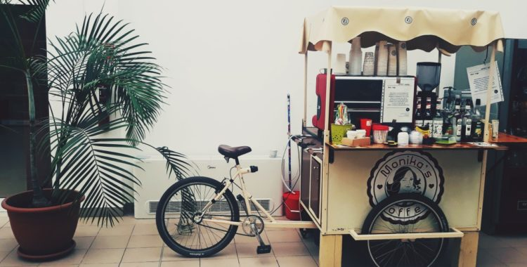 cafea pe bicicleta monika's coffee