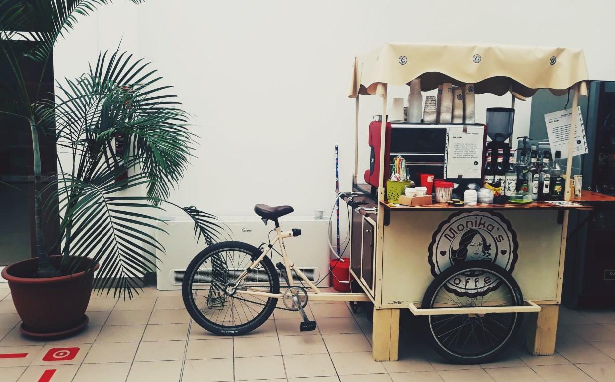 Cafea pe bicicletă: noutăți de la Monika's Coffee