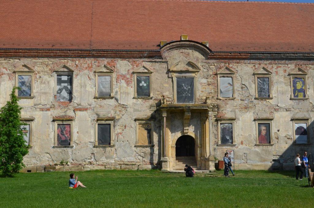 casele-nobililor-transilvaneni-castelul-banffy-din-bontida