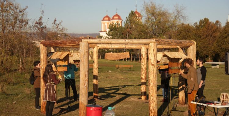 În Parcul Feroviarilor, clujenii își pot găsi #ritmulcomun - A fost instalată Poiana Muzicală!