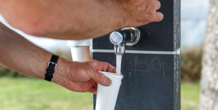 Unde putem găsi apă potabilă pe durata caniculei?