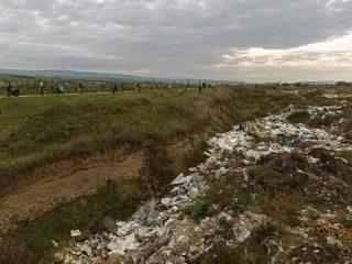 """Clujenii sunt invitați la dezbaterea """"Un Someș mai curat"""" – despre deșeurile din zona aeroportului"""