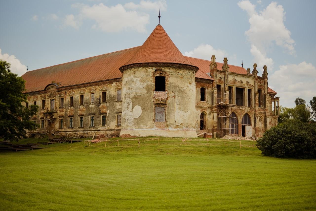 donatie pentru castelul banffy
