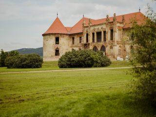 100.000 lei donație pentru Castelul Bánffy – un castel reabilitat la Electric Castle 2021