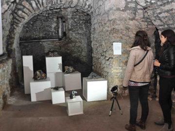 """Expoziția """"Tineri Artiști - Ceramică și Sticlă"""""""