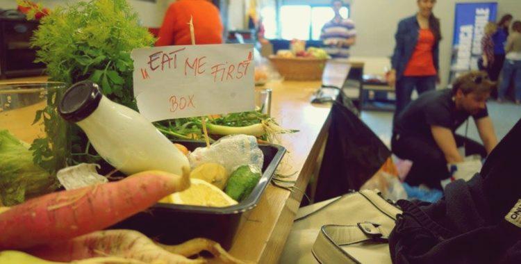 Tu ceri mâncarea la pachet în restaurante