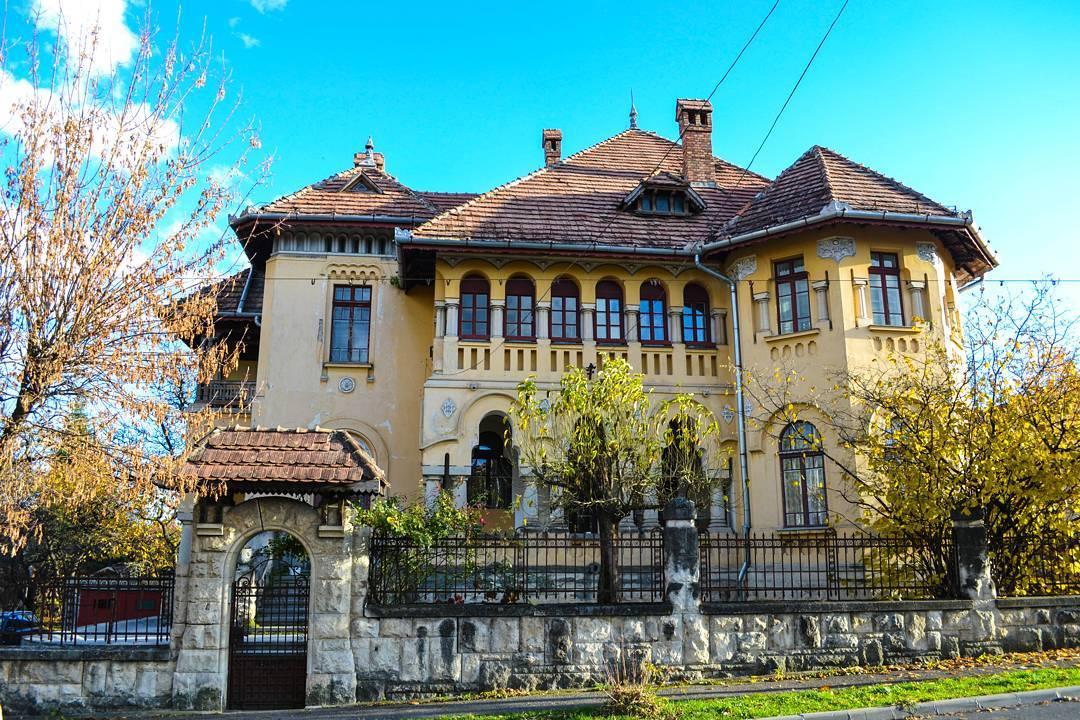hendeasilvia casa Clujul in 13 fotografii ale lunii noiembrie