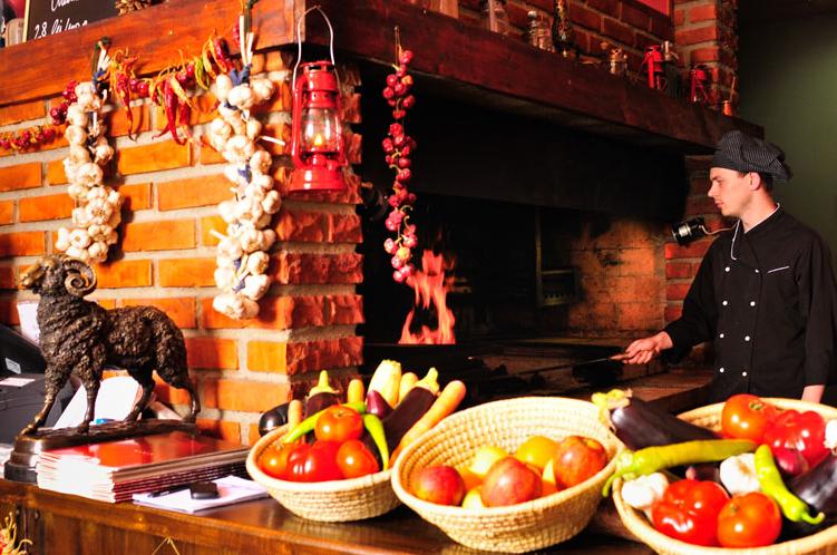 Poftește la El Toro la un steak de vită fraged și rumen!