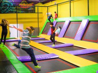 Sărim din rutină la Jumping House | Idee de petrecere a timpului liber