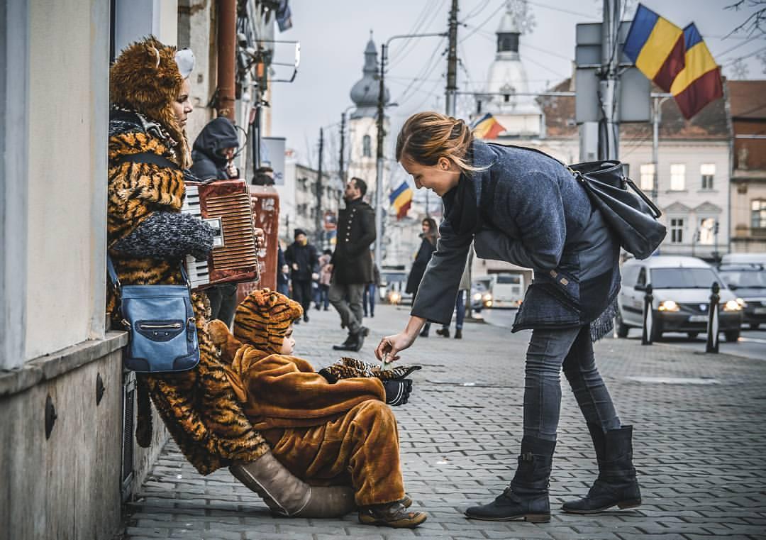 oamenii din orașul comoară