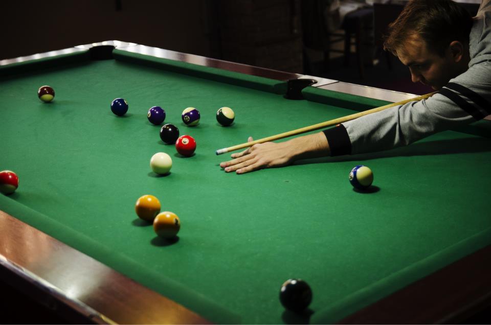 partidă de ping pong corner biliard cluj 3