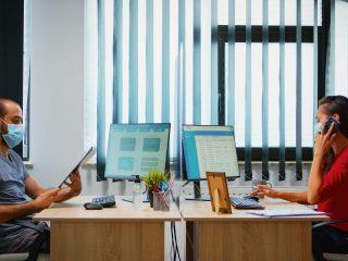 Gestionează digital pontajul angajaților cu ajutorul unui software HR