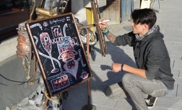 Artistul Altfel: Miki. – Cluj's first professional blackboard drawer