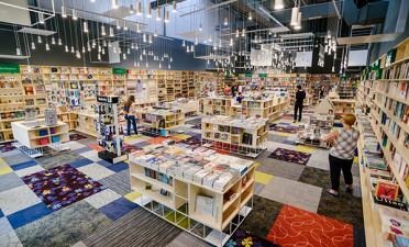 Cărturești Polus - the newest bookstore in Cluj