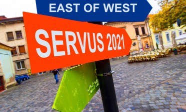 East of West : Servus 2021