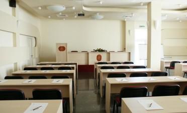 Est-ce que vous cherchez une salle de conférence à Cluj ? L'Hôtel Granata reste à votre disposition