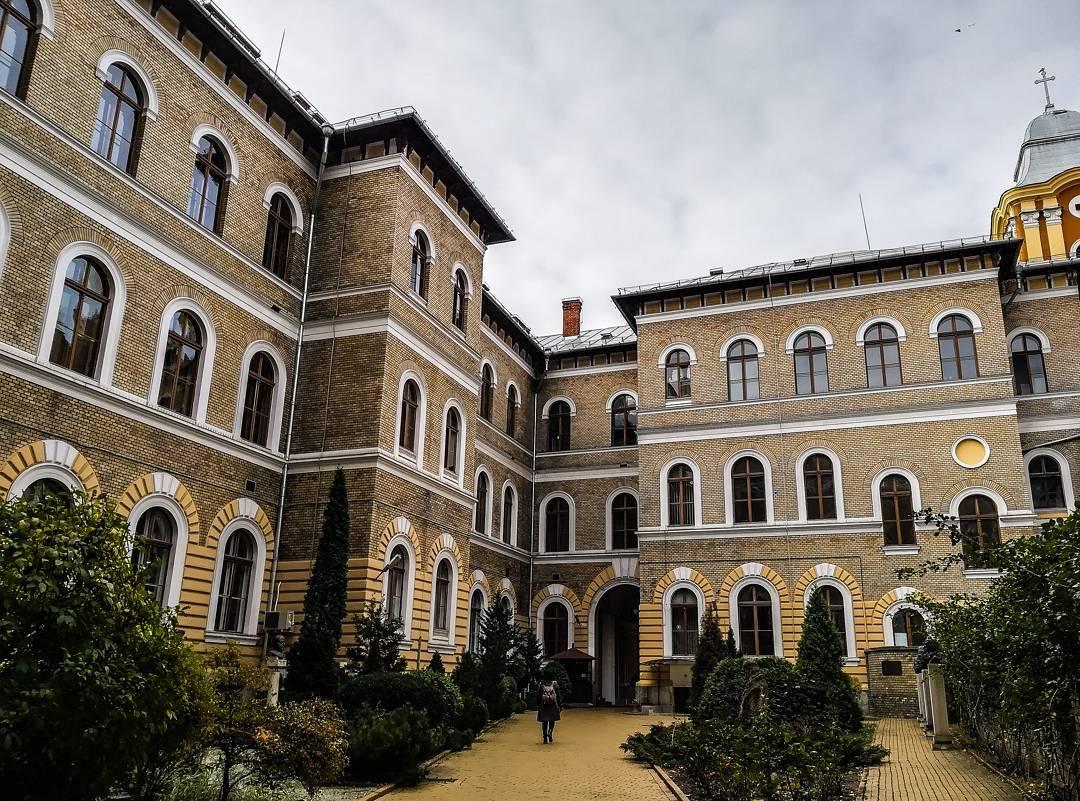 vlad onaciu ubb Clujul in 13 fotografii ale lunii noiembrie