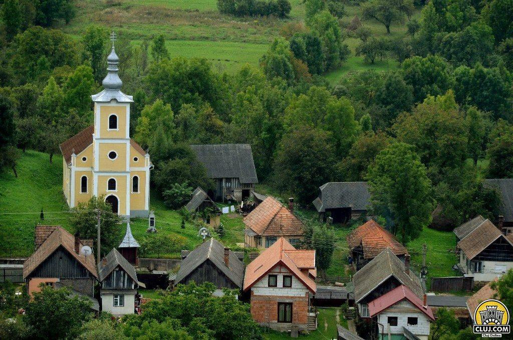 frumuseti din tara calatei, satul valeni, comuna calatele, judetul cluj, biserica ortodoxa