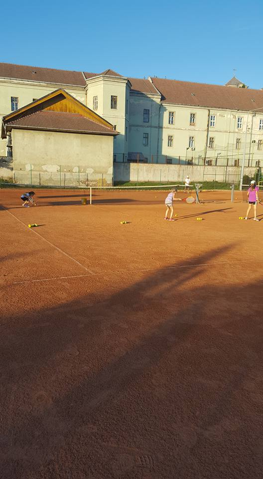 Curs de tenis gratuit, Baza Sportivă Voința