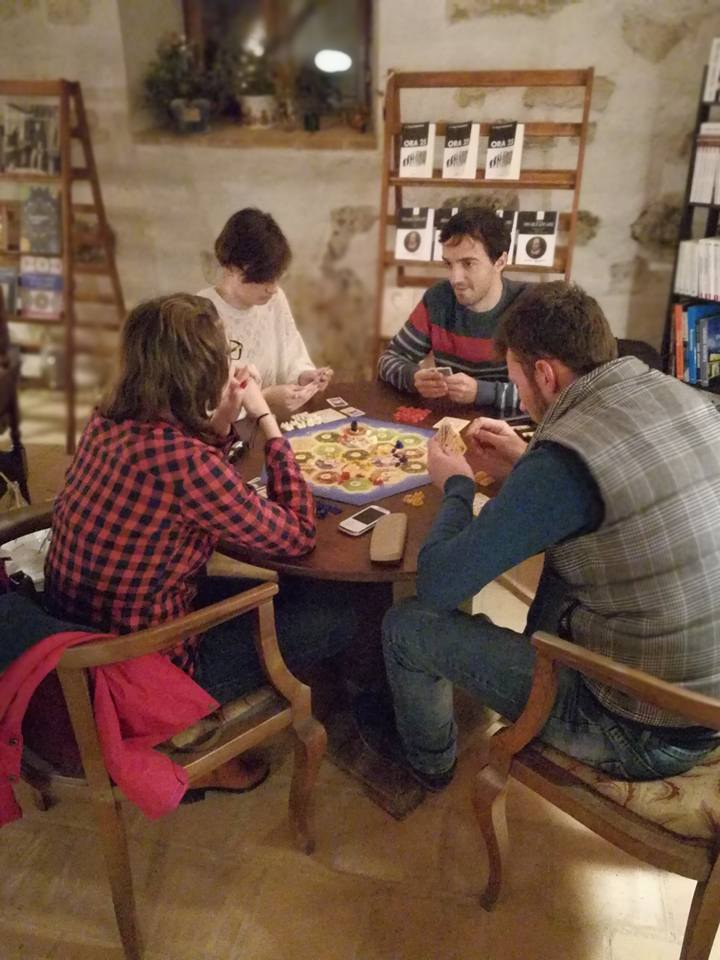 Două zile de boardgames la saloanul de carte din cetate - Oradea