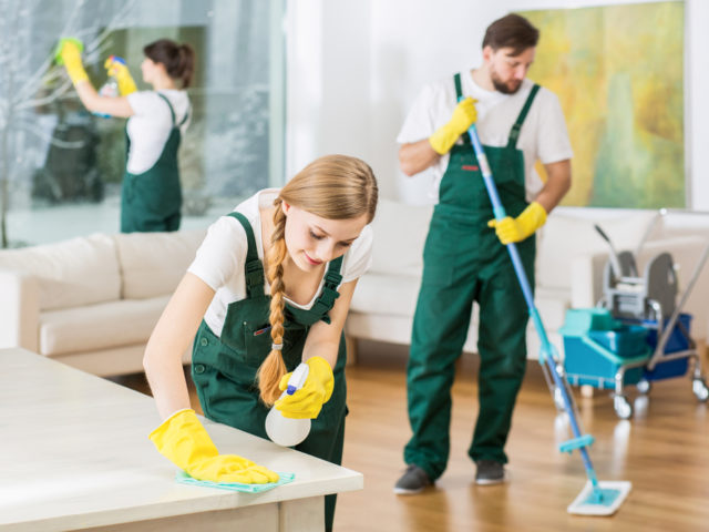 servicii de curățenie