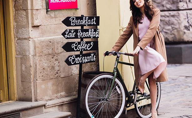 Rochițe și biciclete pe străzile orăden